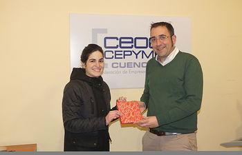 Marta Turégano recoge su premio como ganadora del Día de las Librerías.