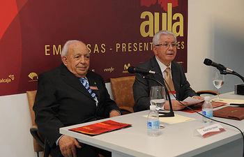 José López Martínez presenta al vino como elemento lúdico presente en todas las creencias, fuente de colaboración artística y de bienestar social
