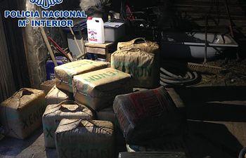 La Policía Nacional detiene a cinco narcotraficantes y se incauta más de cuatro toneladas y media de hachís