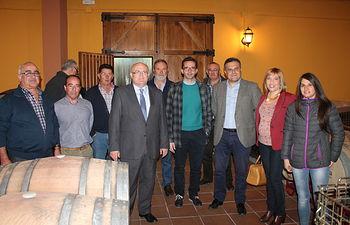 La Junta muestra su apoyo a la reestructuración de espacios y la fusión comercial emprendida por la Cooperativa San Antonio Abad.