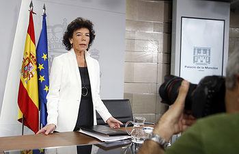La ministra de Educación y Formación Profesional y portavoz del Gobierno, María Isabel Celaá, a su llegada a la conferencia de prensa posterior al Consejo de Gobierno.
