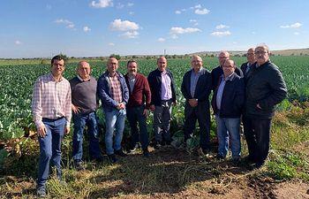 El Gobierno regional visita los cultivos sociales de 'Los Llanos'.