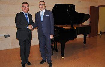 Marín se reúne con el director del Conservatorio Superior de Música 2. Foto: JCCM.