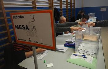 Votaciones de las elecciones generales del 10N 2019. Foto: Manuel Lozano Garcia / La Cerca