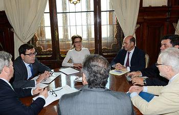 García Tejerina reunión ANIERAC 1. Foto: Ministerio de Agricultura, Alimentación y Medio Ambiente