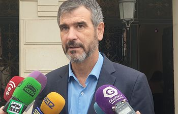 Antonio Román, senador.