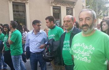 Una amplia representación del PSOE albaceteño se dio cita en la manifestación en defensa de la educación pública