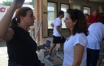 Orlena de Miguel con la Alcaldesa de Cebolla, Silvia Diaz.