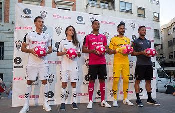 Presentación de las nuevas equipaciones del Albacete Balompié