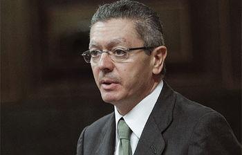 Ruiz Gallardón interviene en el Congreso (Foto EFE)