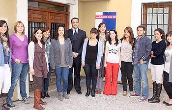 Hugo Muñoz, con los estudiantes de la Escuela Universitaria de Enfermería y Fisioterapia de Toledo