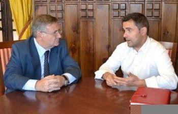 García-Tizón con el alcalde de Tembleque