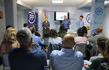 Un momento del curso impartido para alcaldes y concejales. Foto PP.