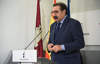 Rueda de prensa de la reunión con representantes del sector del transporte. (Fotos:José Ramón Márquez //JCCM ).