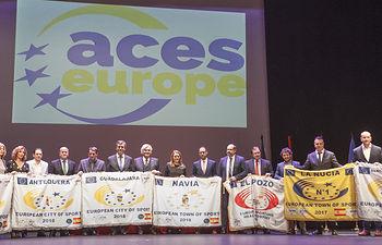 Gala Ciudades Europeas del Deporte Españolas 2018 promovida por ACES Europe, Foto de familia con todos los representantes galardonados