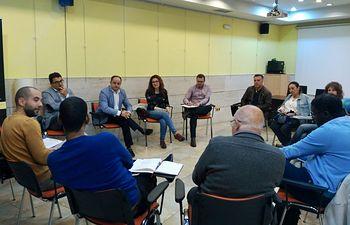 Emilio Sáez analiza con ONG's de la ciudad cómo construir el futuro de un Albacete multicultural