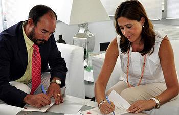 El director de la Escuela y la alcaldesa de Ciudad Real firman el acuerdo