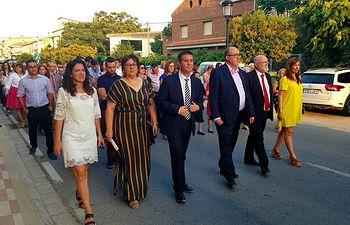 El Gobierno regional asiste a la procesión por las ruinas del Castillo de Socovos en el inicio de sus Fiestas patronales