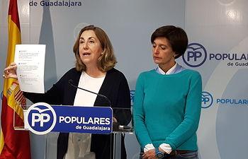 Silvia Valmaña y Ana González, parlamentarias del PP de Guadalajara