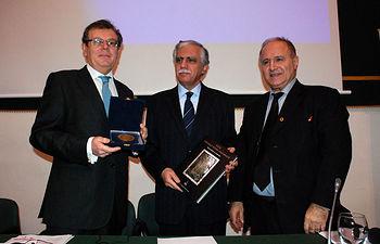 El rector con el embajador del Líbano y el rector de Saint-Joseph.