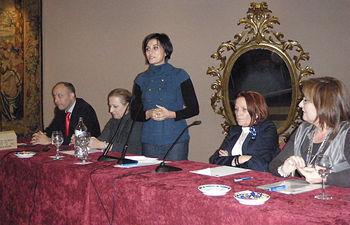 La portavoz del Gobierno regional, Isabel Rodríguez clausura las 17ª Jornadas de Mayores organizadas por la Federación Provincial de Jubilados, Pensionistas y Tercera Edad 'Alcarreña' en Guadalajara.