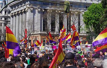 Manifestaciones en toda España para elegir entre monarquía o república. Imagen de archivo de una manifestación a favor de la República.