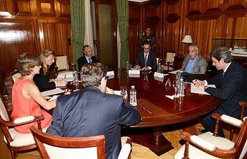 Isabel García Tejerina recibe a representantes de la Oficina Nacional de Caza. Foto: Ministerio de Agricultura, Alimentación y Medio Ambiente