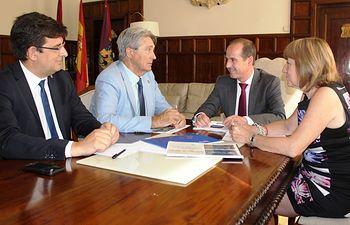 Reunión de Alberto Rojo con el  rector de la UAH.