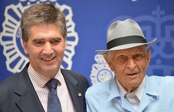 Ignacio Cosidó ha asistido en la localidad granadina de Guadix al homenaje a un policía centenario. Foto: Ministerio del Interior