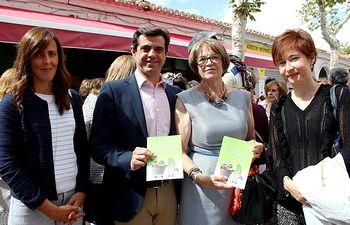 Encuentro provincial de la Asociación de Amas de Casa, Consumidores y Usuarios (APACCU) 'Los Llanos' en la Feria
