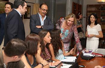 Casero visita taller de empleo de Aldea del Rey. Foto: JCCM.