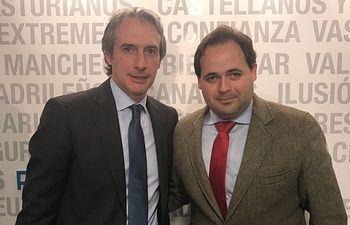 El Alcalde de Almansa, Paco Núñez, junto al Ministro de Fomento, Iñigo de la Serna.