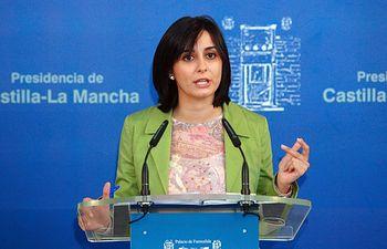 La portavoz del Ejecutivo regional, Isabel Rodríguez, durante la ruda de prensa donde informó sobre los acuerdos del Consejo de Gobierno de Castilla-La Mancha, en Toledo.