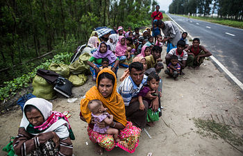 Refugiados rohingyas abandonados a su suerte en Bangladesh. Copy: Andrew Stanbridge / Amnesty International