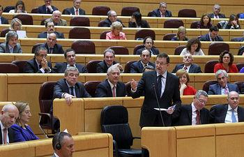 El presidente del Gobierno, Mariano Rajoy, asiste a la sesión de control en el Senado. Foto: Pool Moncloa / Acceso libre.