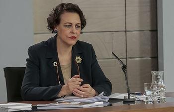 La ministra de Trabajo, Migraciones y Seguridad Social, Magdalena Valerio, durante su intervención en la rueda de prensa posterior al Consejo de Ministros.