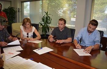 Firma del convenio de cuchillería de Albacete.