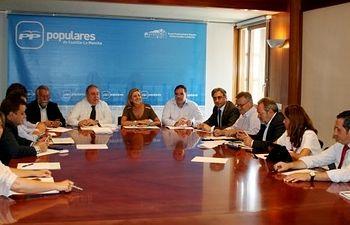 Reunión de la presidenta del PP-CLM, María Dolores Cospedal, con alcaldes y presidentes provinciales del Partido Popular.