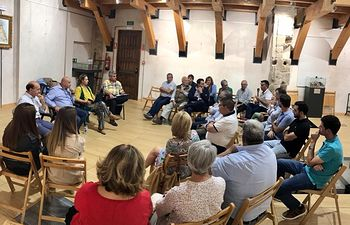 Un momento de la reunión celebrada en Almonacid de Zorita.