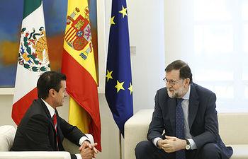 El presidente del Gobierno, Mariano Rajoy, y el presidente de los Estados Unidos Mexicanos, Enrique Peña Nieto, durante la reunión que han mantenido en La Moncloa.