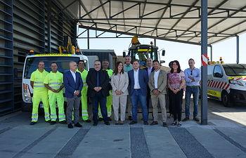 El consejero de Fomento, Nacho Hernando, ha visitado el centro de conservación y explotación de la CM42- Autovía de los Viñedos