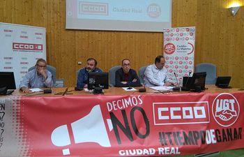 Asamblea informativa que han llevado a cabo los secretarios generales de UGT y CCOO de Castilla-La Mancha en Ciudad Real.
