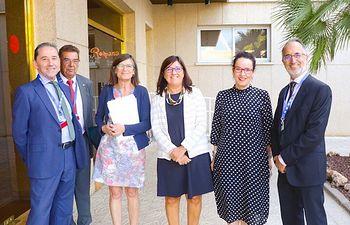 La directora gerente del SESCAM, Regina Leal, inaugura el Foro para la Gobernanza de las TIC en Salud, en el Hotel Beatriz. (Foto: José Manuel Álvarez // Sescam).