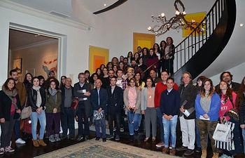 Foto de familia tras la visita.