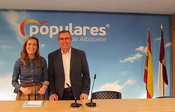 Carmen Navarro y Vicente Aroca.