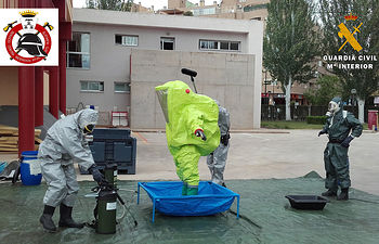 Un total de 13 guardias civiles y 8 bomberos de Albacete participan en un simulacro ante una posible emergencia química