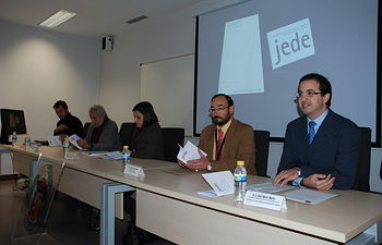 Participantes en la inauguración del encuentro.