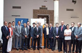 El consejero de Salud y Bienestar Social, Fernando Lamata, con los galardonados en los premios anuales de investigación sanitaria convocados por el Gobierno de Castilla-La Mancha.