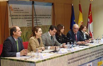 Firma Convenio Regadío Santa María del Páramo. Foto: Ministerio de Agricultura, Alimentación y Medio Ambiente
