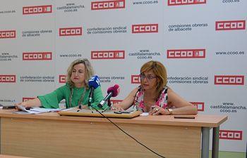 Amelia Valero, secretaria provincial de FSC-CCOO Albacete, y Carmen Juste, secretaria general de CCOO Albacete.